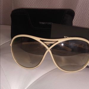 AUTHENTIC TOM FORD tortoise sunglasses